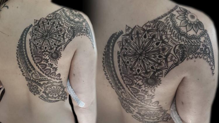 Heart Balls Tattoo aus Heilbronn